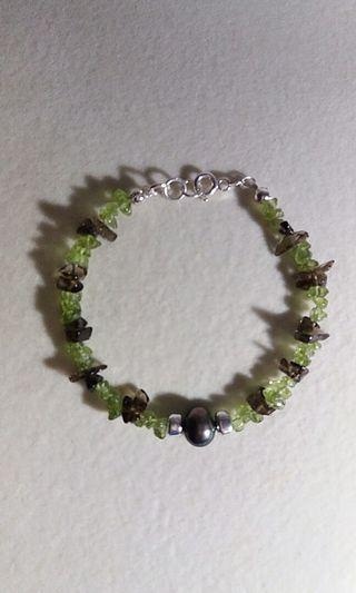 925 Sterling silver peridot chips/smoky quartz chips bracelet with big peacock green freshwater pearl