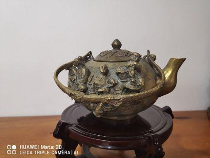 8 immortal tea pot