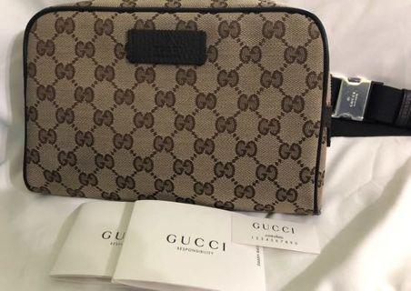 Fast deal Gucci pouch