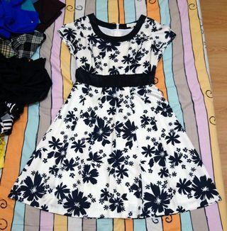 古著 GRAIG 黑白色 雪紡 小花滿版 包袖 短袖連身裙 小洋裝