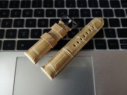 Vintage beige alligator strap made for 42 mm Pam Panerai
