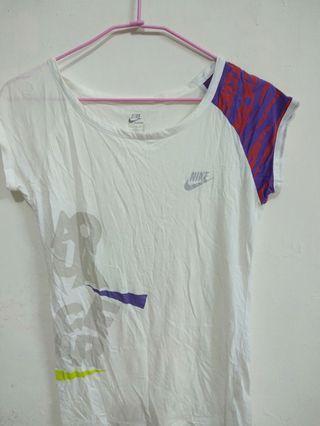 🚚 Nike 運動短T恤