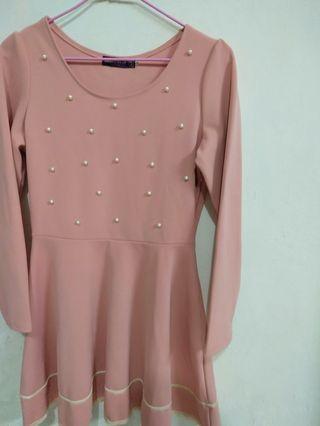 🚚 粉色珍珠洋裝