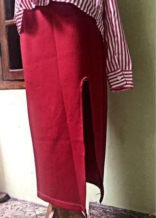 Maroon Slit Skirt