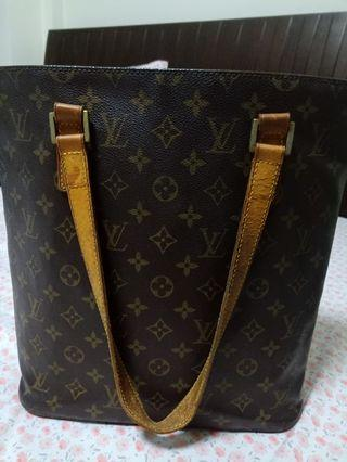 Louis Vuitton bucket bag Athletic  selling cheapper