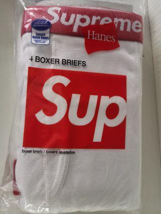 🚚 Supreme hana boxer M size