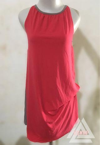 Dress red up