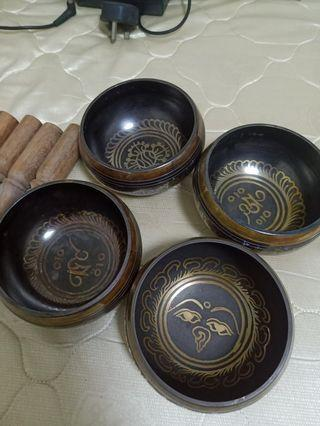 Singing bowls made by 5 metal 11cm diameter different blesding tibetsn words