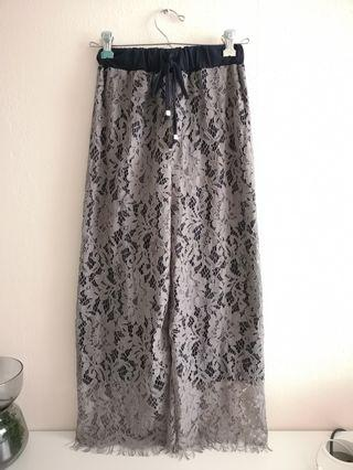 🚚 Lace Grey Culottes with Navy Lining