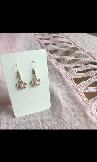 #014 Little Pink Flower earrings with peal