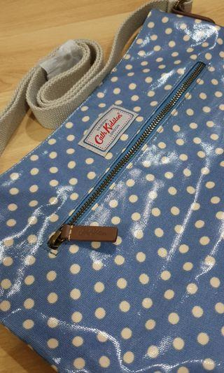🚚 Cath Kidston Cross Body Sling Bag