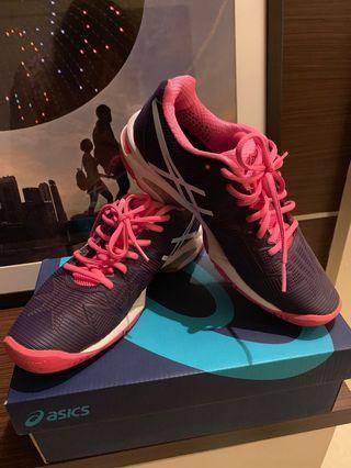 🚚 ASICS woman tennis shoes