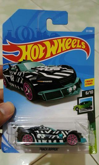 Diecast hot wheels track ripper