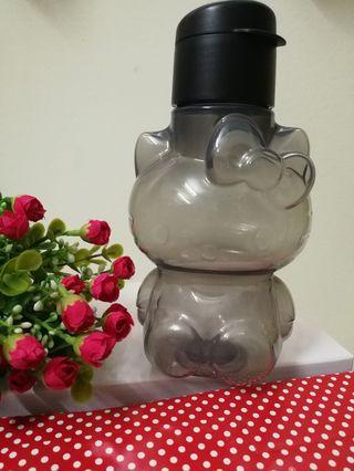 NEW Ori Tupperware Hello Kitty Bottle