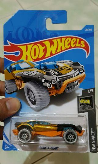 Diecast hot wheels dune a soar
