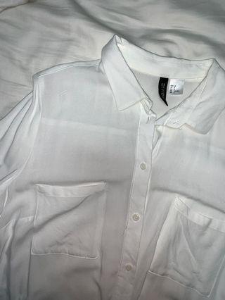 🚚 white button shirt