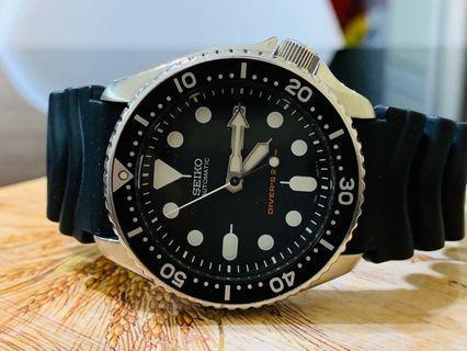 Seiko SKX007 Diver Watch ( Free 1 Extra Luminous Bezel )