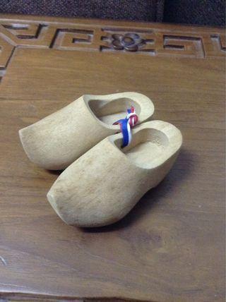Holland Wooden crock