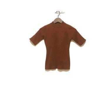 🚚 簡約小立領五分袖咖啡色針織彈性上衣 全新