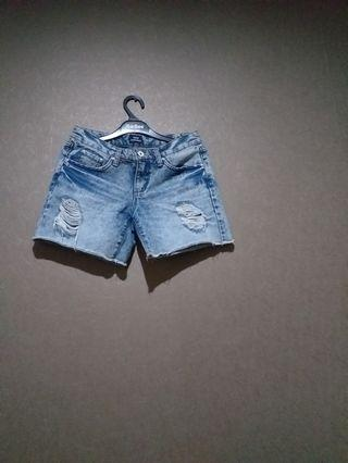 Ripped hot pants size 28