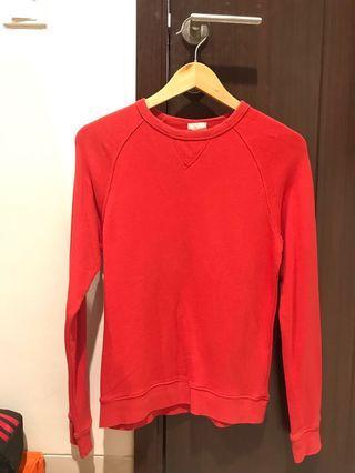 sweater H&M merah