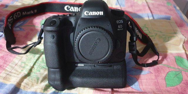 Canon eos 6D Mark II (as good as new)