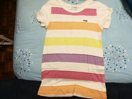 🚚 Fringe uniqlo limited edition t shirt