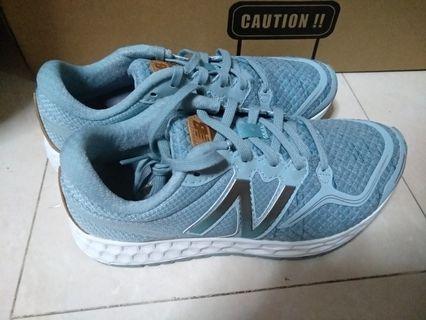 🚚 New Balance Running Shoes