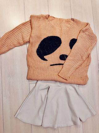 🚚 熊貓臉毛衣+米白傘擺短裙
