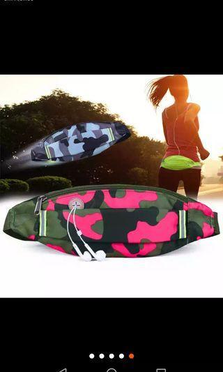運動腰包 迷彩pink 有耳機位 方便跑步做運動