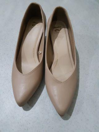 Nude Shoes__ Model Terbaru dari BATA