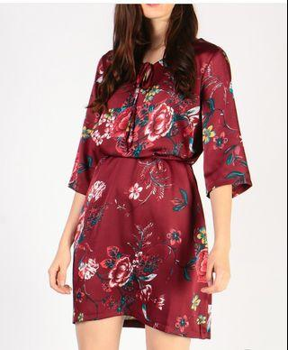 BNWT Dressabelle Red Floral Dress