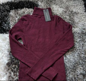 BNWT turtleneck sweater
