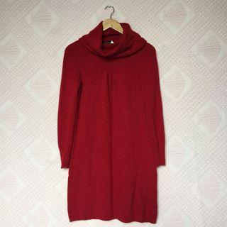 BANANA REPUBLIC RED KNITTED LONGSLEEVES DRESS