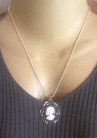 4a79b4b2c37 925silver Lady Victorian white and black Cameo Pendant chain necklace