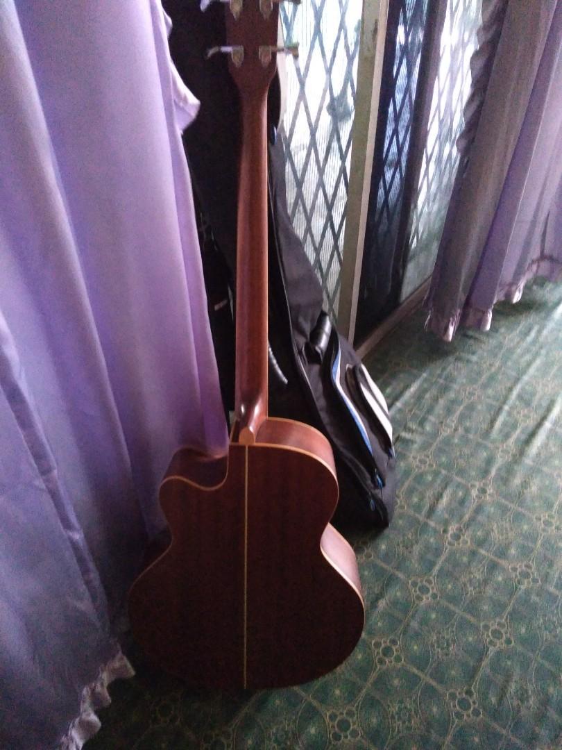 Bass Acc Guitar TangleWood (Fretless)