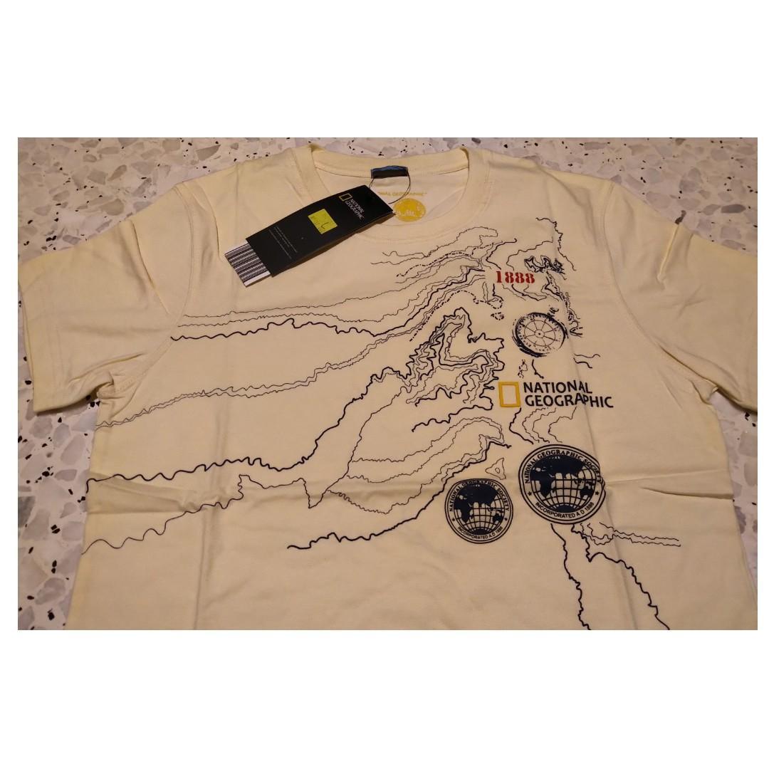 (BNWT) National Geographic Tshirt
