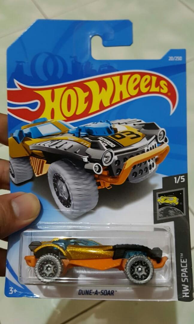 Diecast hot wheels dune a soar