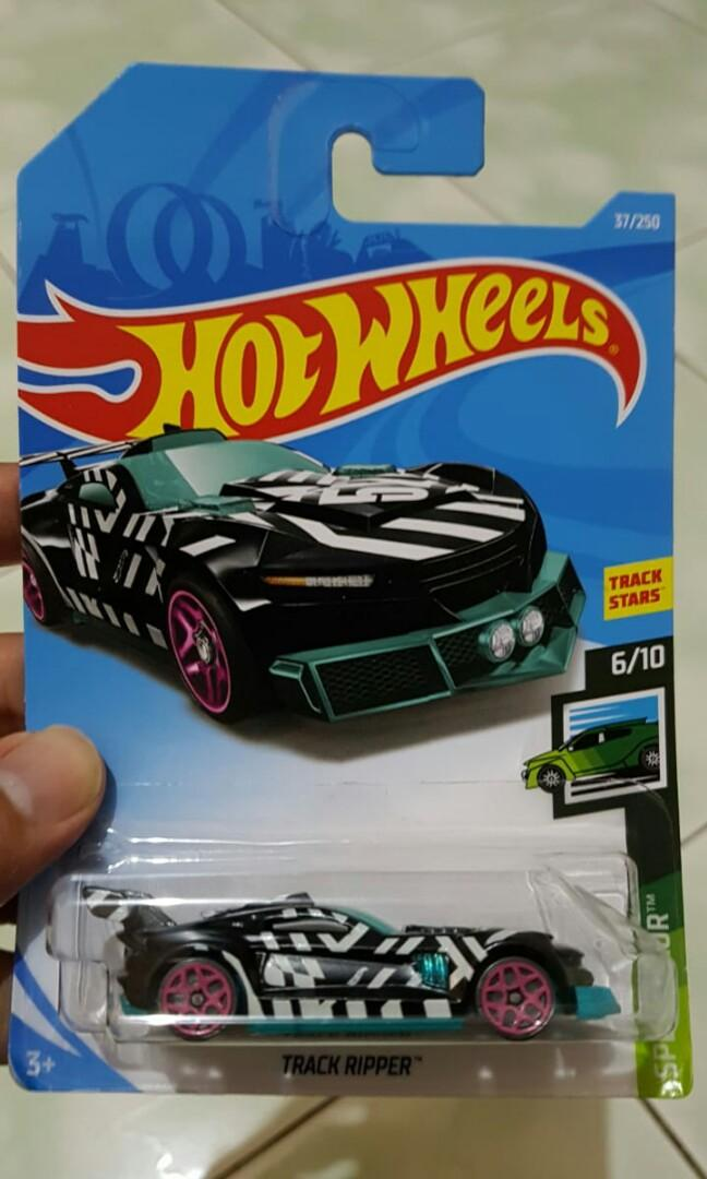 Diecast hot wheels track ripper