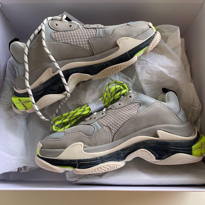 NOW Don t miss out Triple S balenciaga