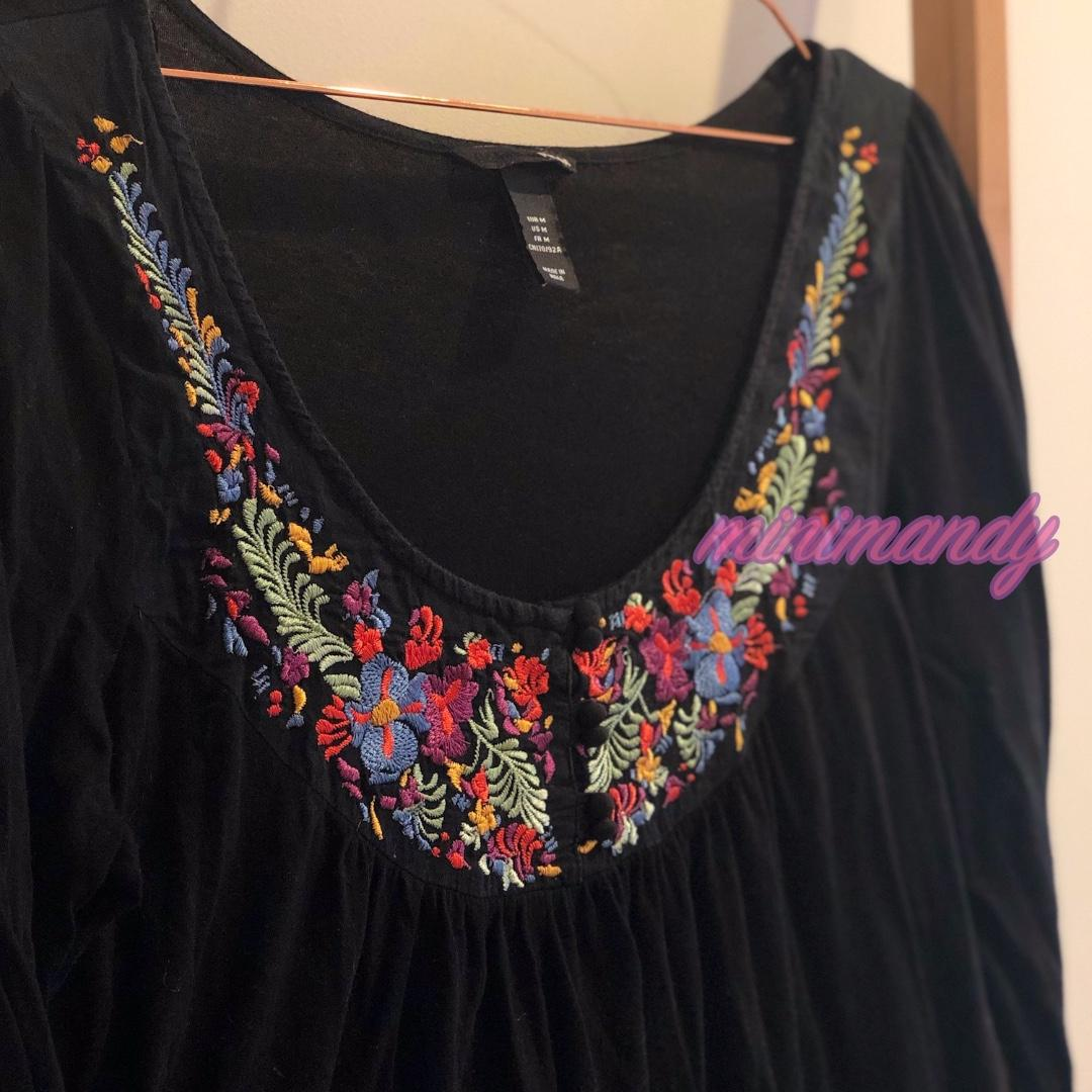 H&M boho Embroidered flowers black long top blouse floral mini dress scoop neck