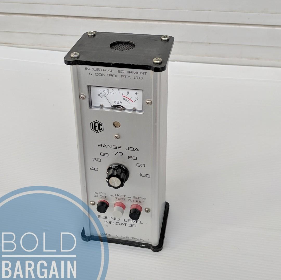 IEC Sound Level Indicator dB dBA Meter Analyser