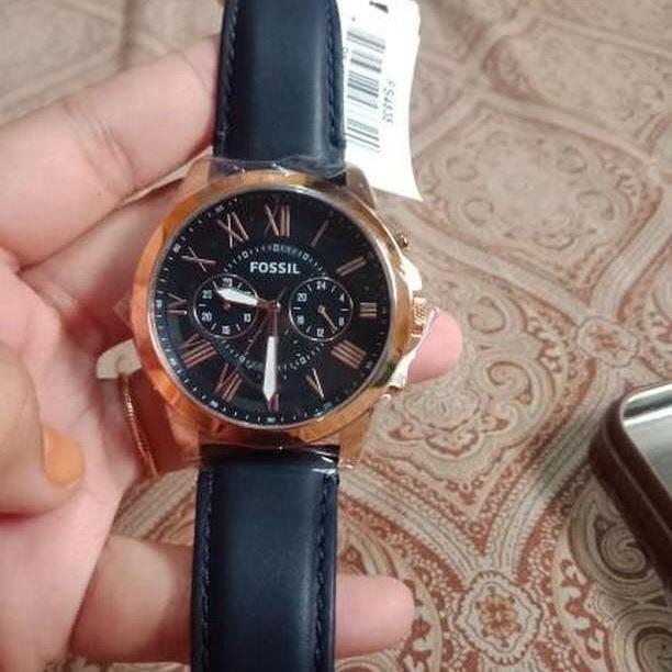 Jam Tangan Fossil ada no seri fs4835 bisa di cek ya sist jual karena salah beli masih baru / NEW