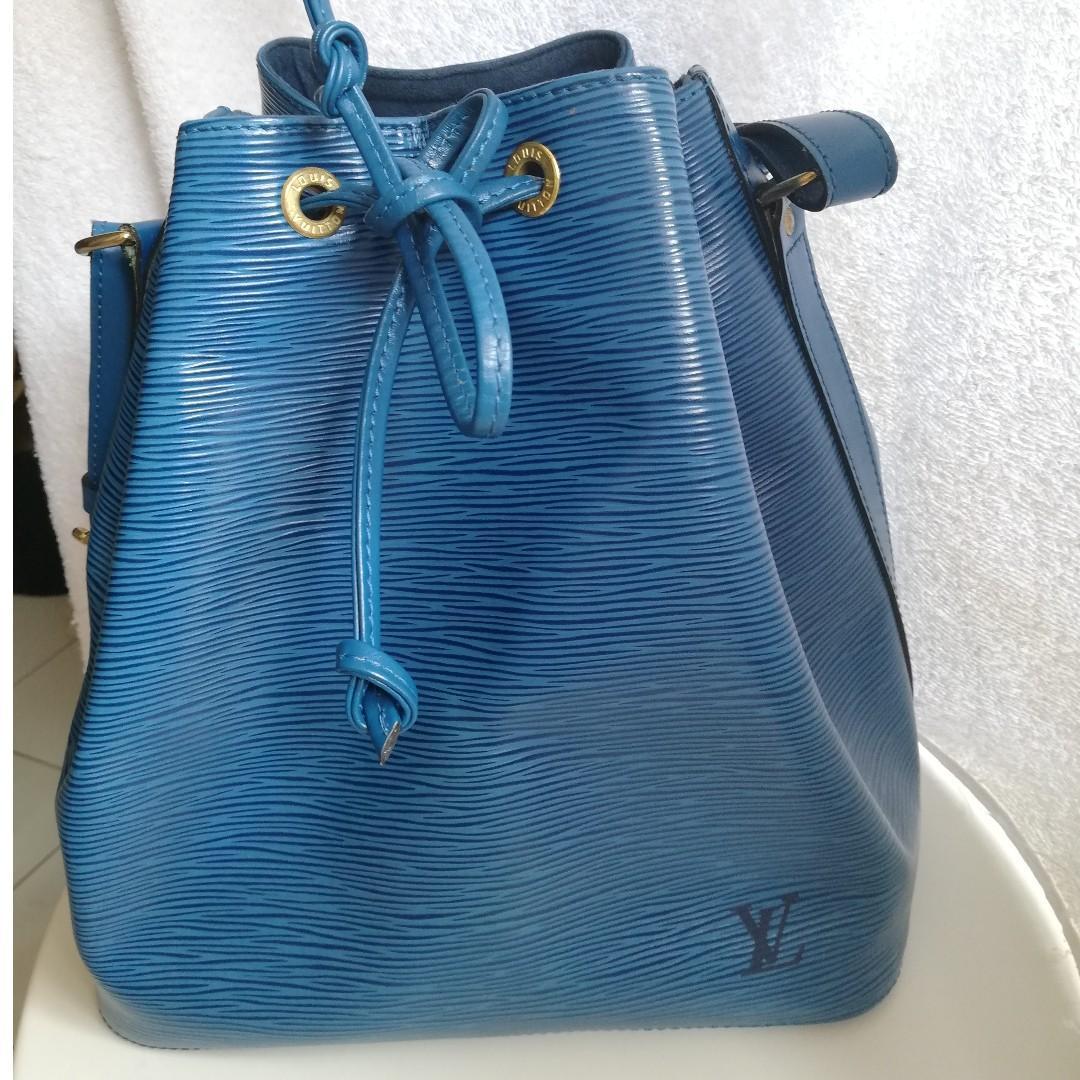 Authentic 100% Louis Vuitton Blue Epi Leather Bucket Bag