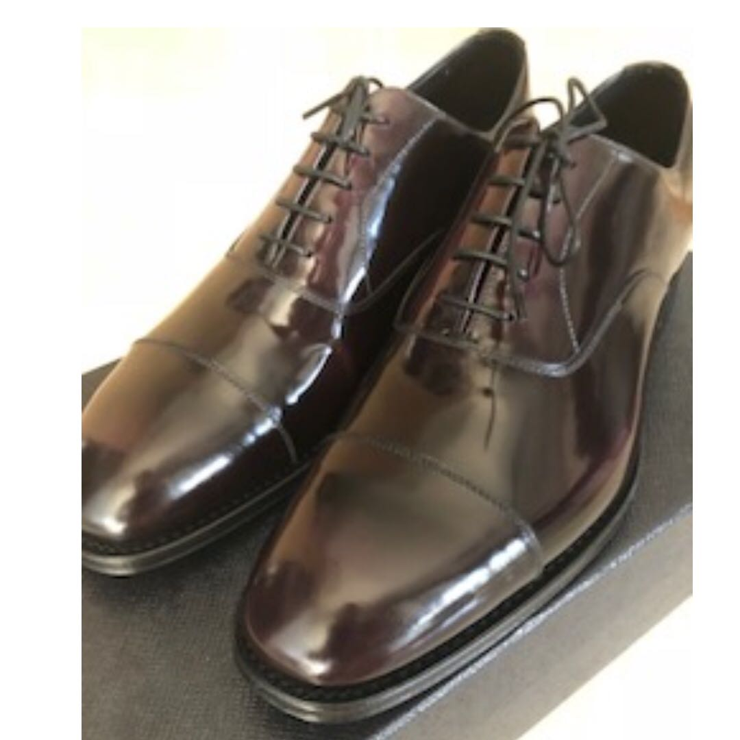bb0bcc46e01b Men s Prada Brushed Leather Oxford Shoes New + 100% Authentic Size 6 ...