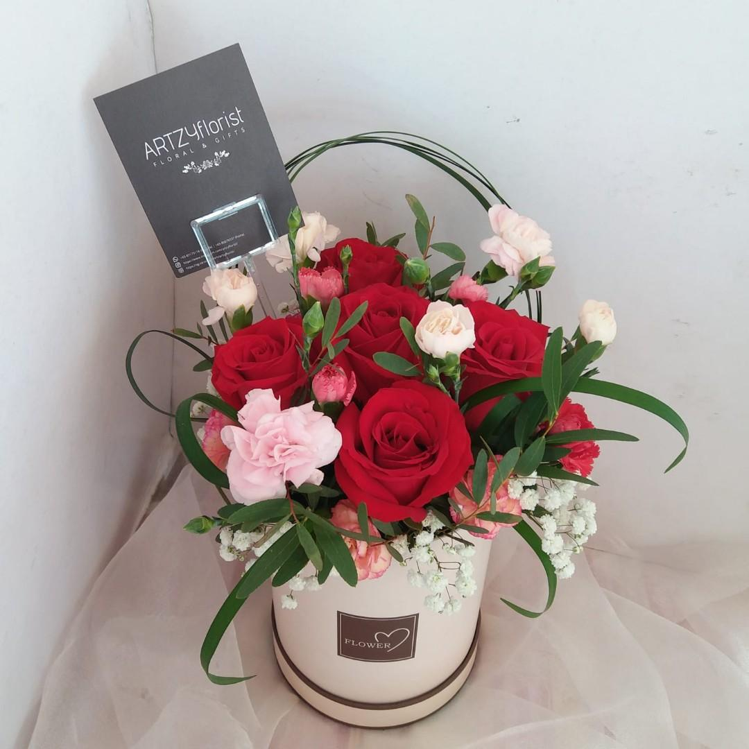 165 Mothers Day Rose Box Gardening Flowers Bouquets On Carousell