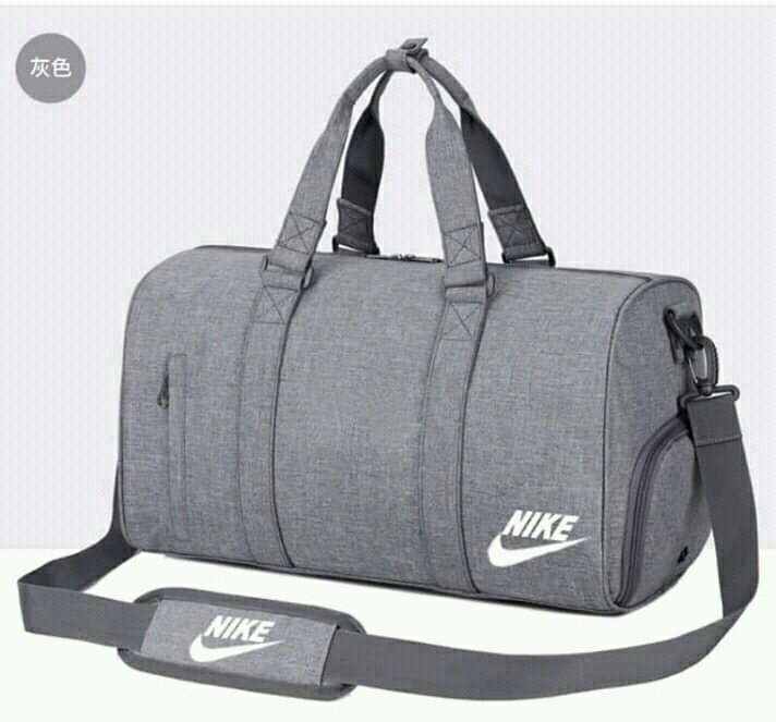 cueva Astronave parálisis  Nike Travel Bag, Men's Fashion, Bags & Wallets, Others on Carousell