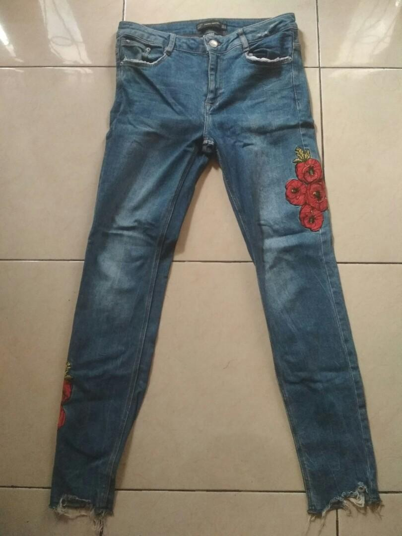Ripped ankle jeans-Zara