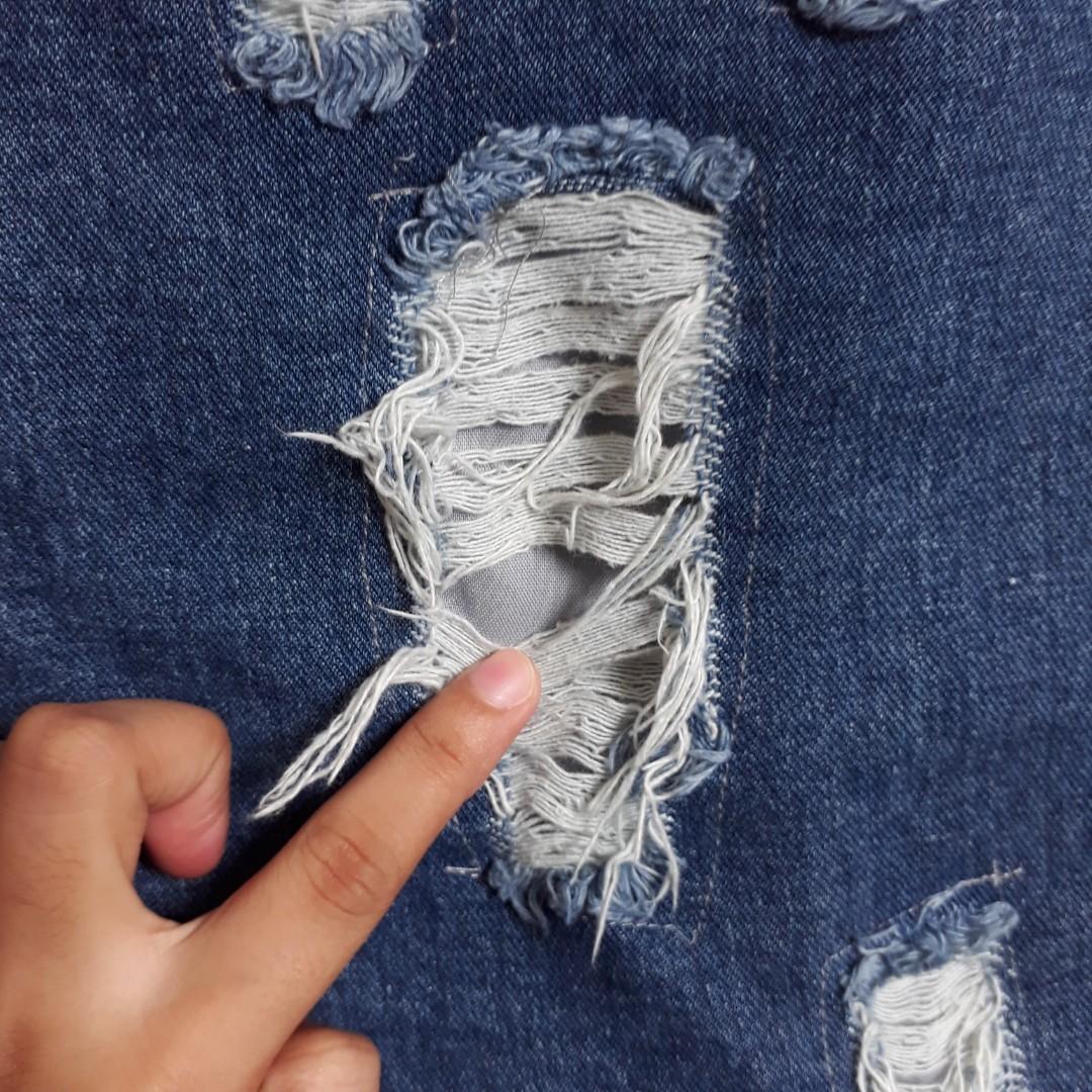 ripped jeans / boyfriend jeans