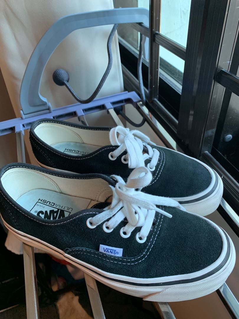 Vans New Era Dx comfy crush, Women's Fashion, Footwear, Sneakers ...
